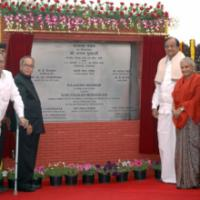 The Union Finance & External Affairs Minister, Shri Pranab Mukherjee unveiled the foundation stone of the Rajaswa Bhawan, under Department of Revenue, Ministry of Finance, in New Delhi on February 23, 2009. The Union Home Minister, Shri P. Chidambaram, the Union Minister for Urban Development, Shri Jaipal Reddy and the Chief Minister of Delhi, Smt. Sheila Dikshit are also seen